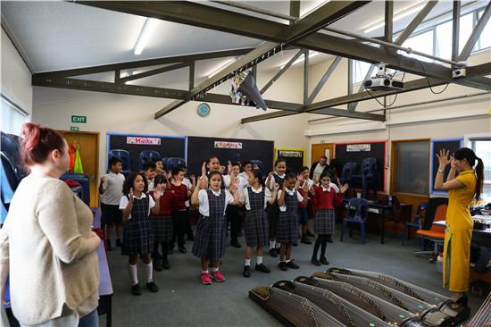 新西兰惠灵顿圣安妮学校开设古筝课堂体验课