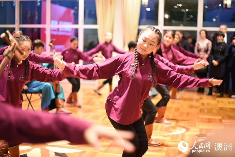 中国驻悉尼总领馆举行开放日活动中澳少年唱响友谊